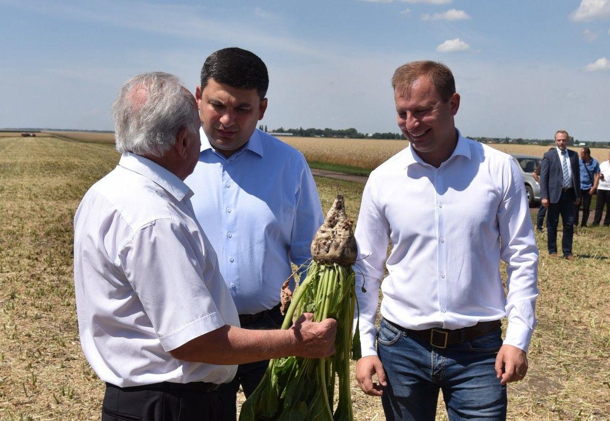 Гройсман наголосив, що Україна сьогодні насамперед зацікавлена не в агрохолдингах