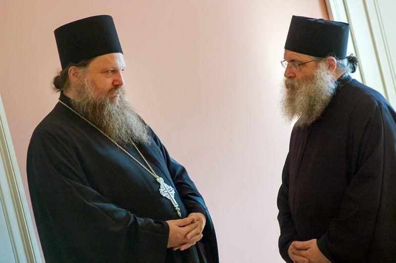 Монахи советуют исповедовать единство, мир и любовь к ближнему / Открытый православный университет святой Софии-Премудрости