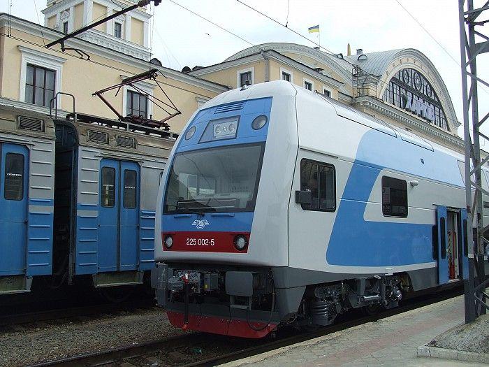 Чеські електропоїзди Škoda були закуплені у 2012 перед Євро-2012 / фото mediaport.ua