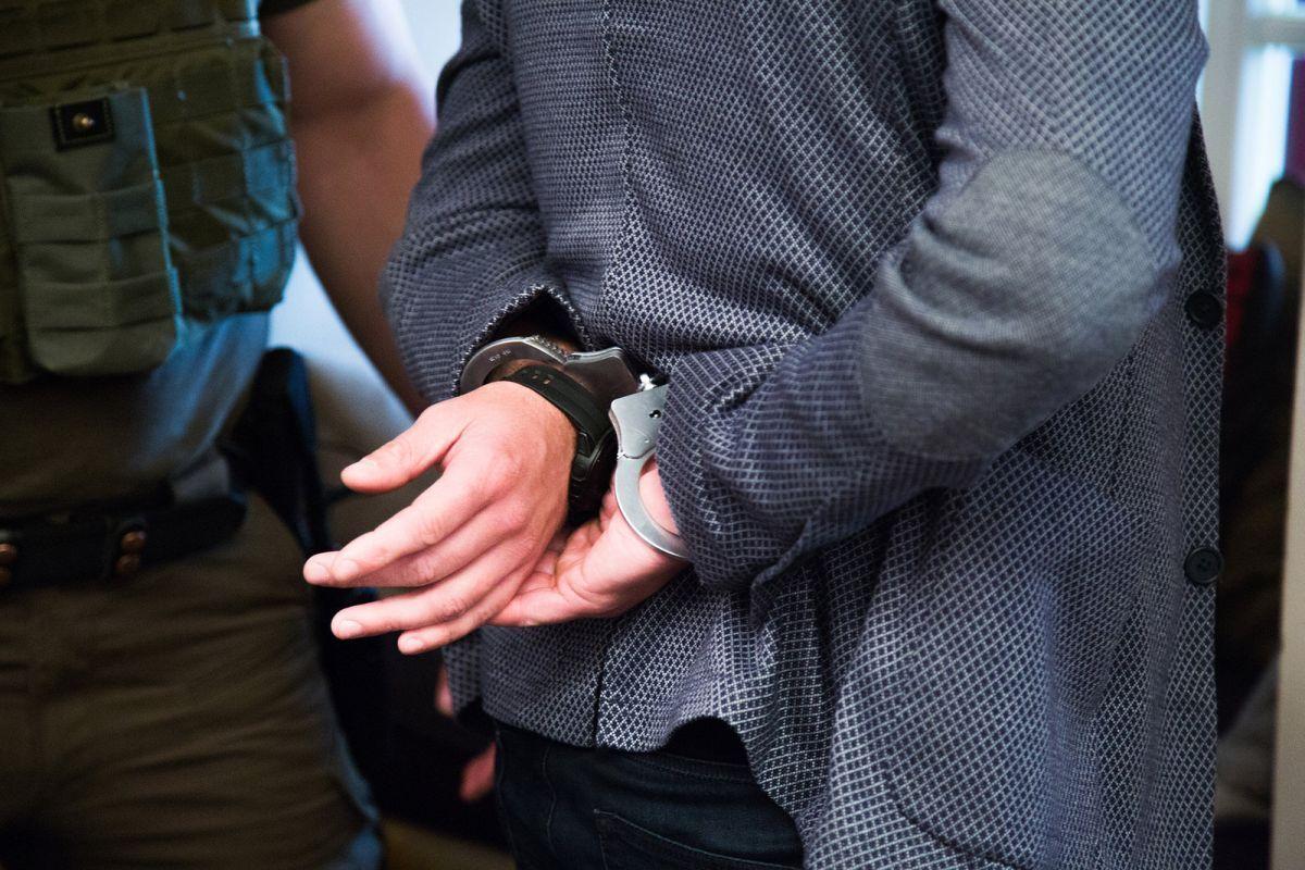 Задержанный подозревается в убийстве на территории Украины / фото nabu.gov.ua
