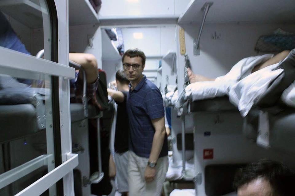 Плацкартні вагони зникнуть в Україні лише через 5-10 років / фото facebook.com/volodymyr.omelyan