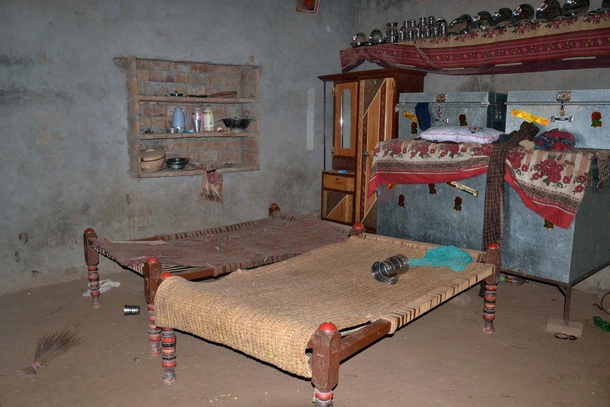 Кімната в Раджапуре, де була зґвалтована дівчина / REUTERS