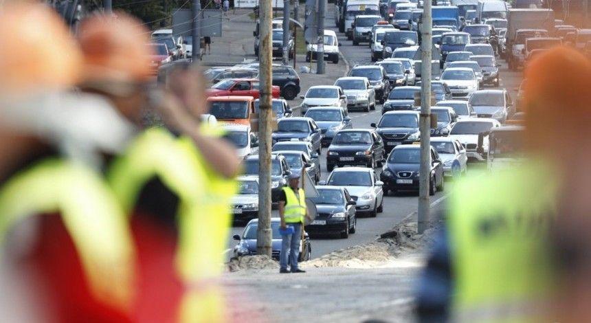 Затори у Києві: яка ситуація на дорогах та мостах столиці у середу зранку (карта)