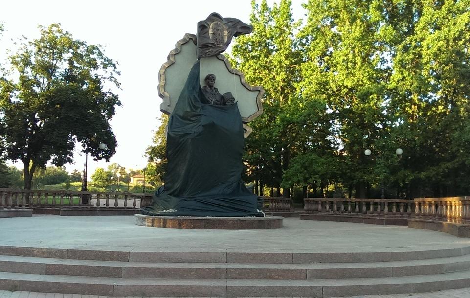 Уцентрі Луганська підірвали пам'ятник загиблим ополченцям