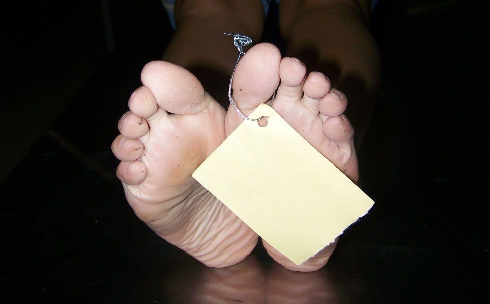 Никто из медработников не помог транспортировать тело умершего / Фото Johana Lizet via flickr.com