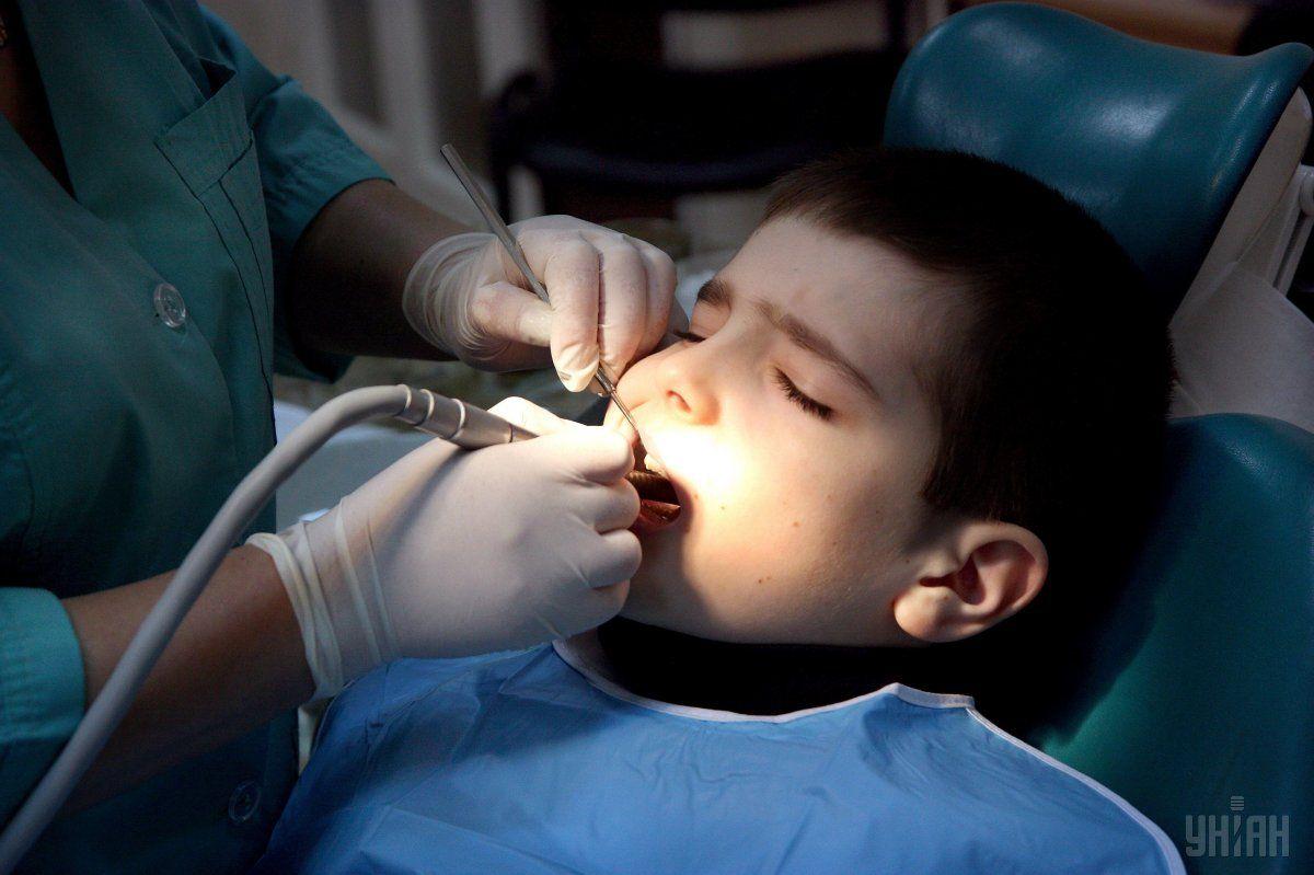 У столиці тимчасово обмежили надання стоматологічних послуг / фото УНІАН
