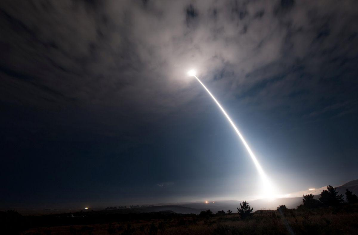 Баллистическая ракета / REUTERS