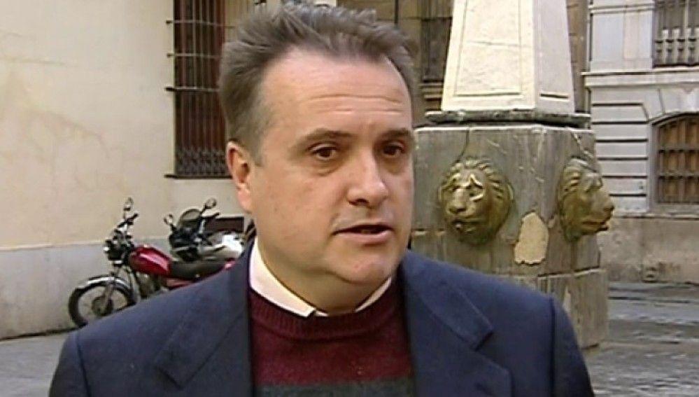 ВИспании сократили депутата, неходившего наработу 10 лет
