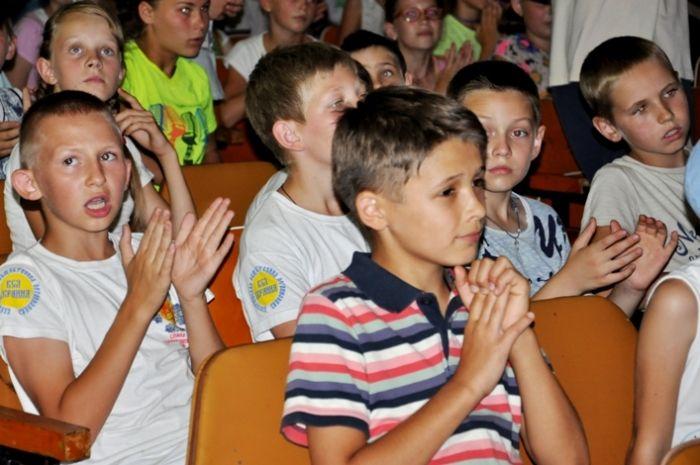 Зеленський підписав закон про безкоштовне харчування у школах для дітей-переселенців / фото oda.zt.gov.ua