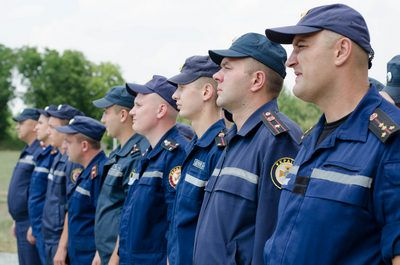 приміщення, техніку та бійців команди освятив священик/ ТОДА