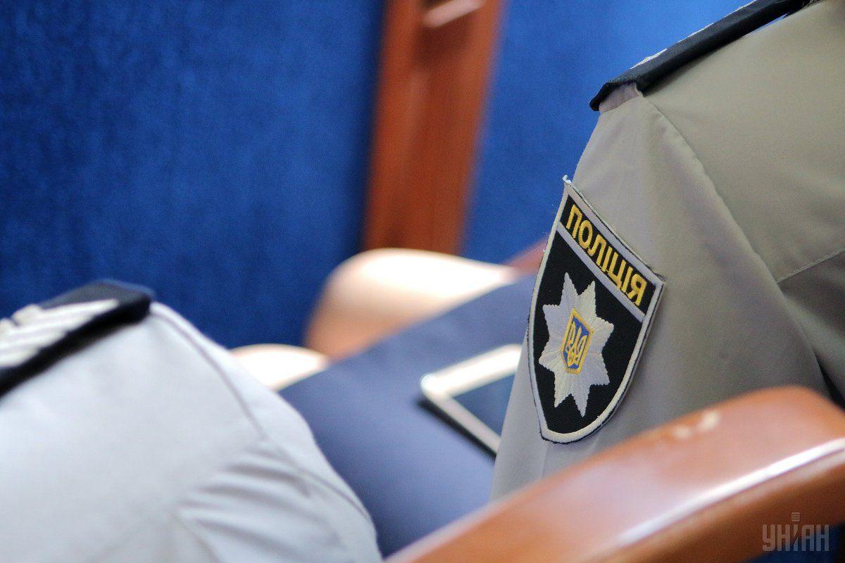 В результате столкновений пострадал милиционер / фото УНИАН
