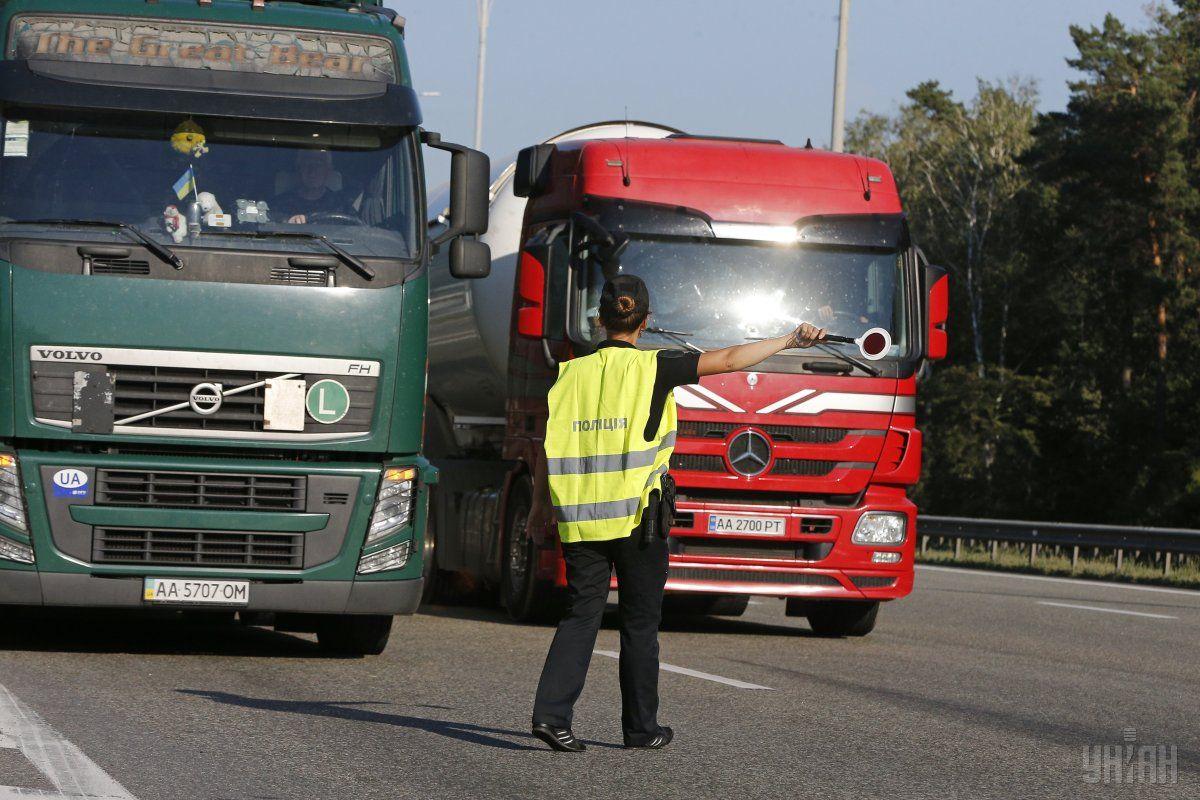 Вантажівки в Україні будуть зважувати автоматично / фото УНІАН