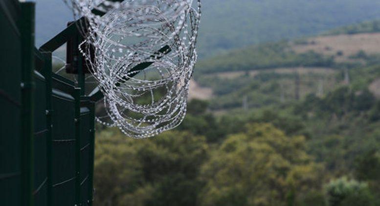 Латвия построила 93-километровый забор на границе с РФ / фото kavkaz-uzel.eu