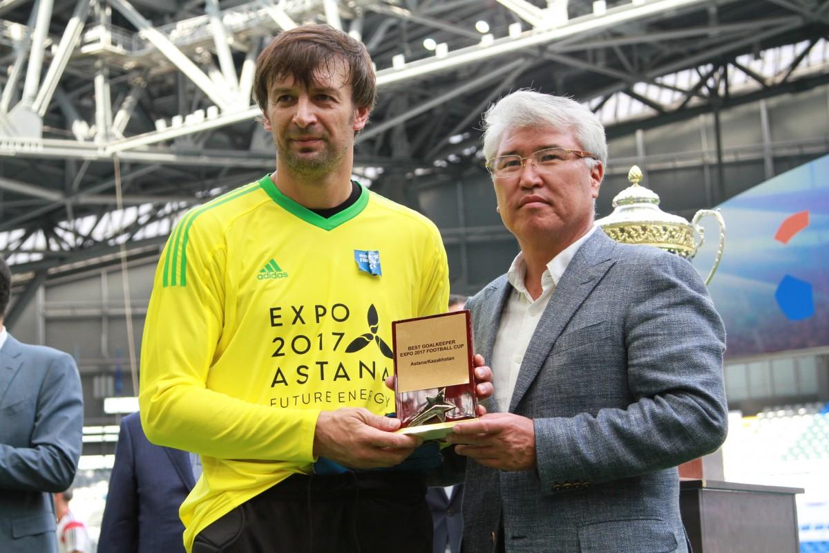 Шовковський був визнаний кращим воротарем Турніру легенд / football24.ua
