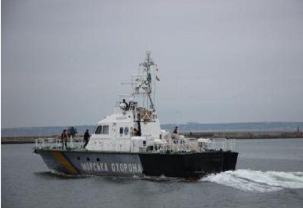 Таможенники обнаружили вАзовском море российское рыболовное судно