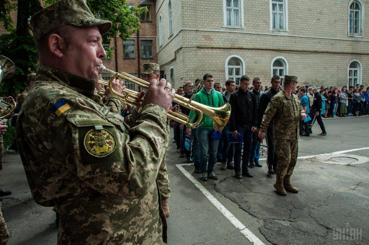 Сейчас в Украине идет призыв на срочную службу / фото УНИАН