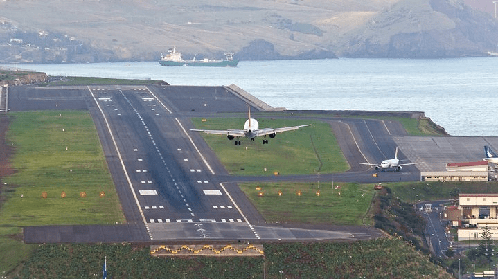 Аэропорт на Мадейре / zbirna.com