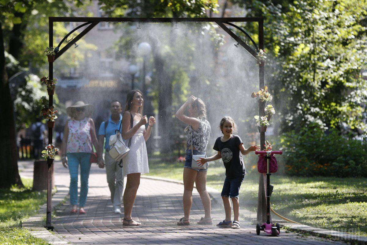 25 червня в Україні зберігатиметься спекотна погода / фото УНІАН