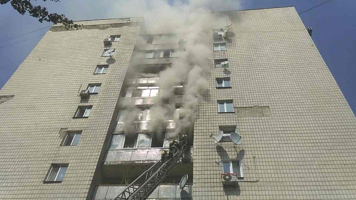 Спасатели долго не могли попасть в квартиру из-за бронированных дверей / ГСЧС