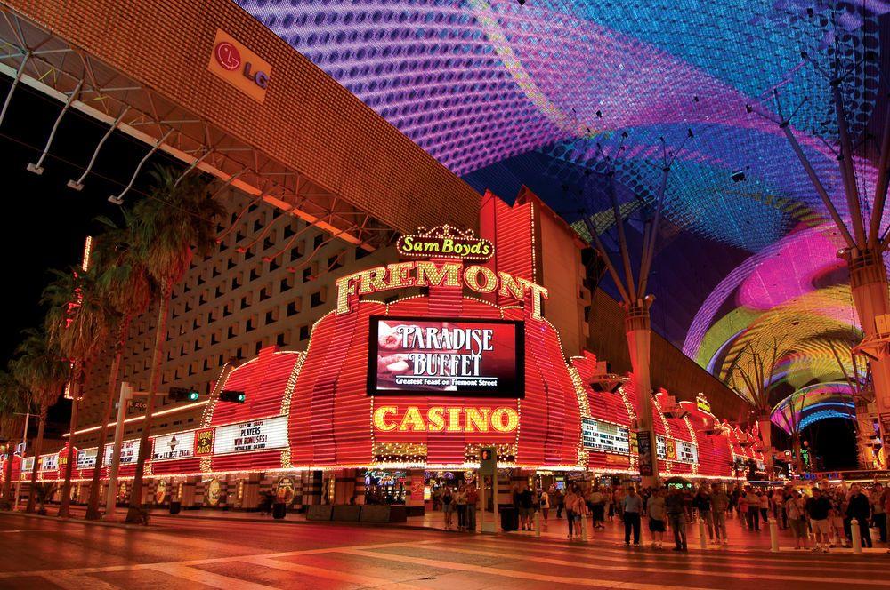 Чоловік грав у автомати у відомому казино Лас-Вегаса у готелі Fremont / expedia.co.in