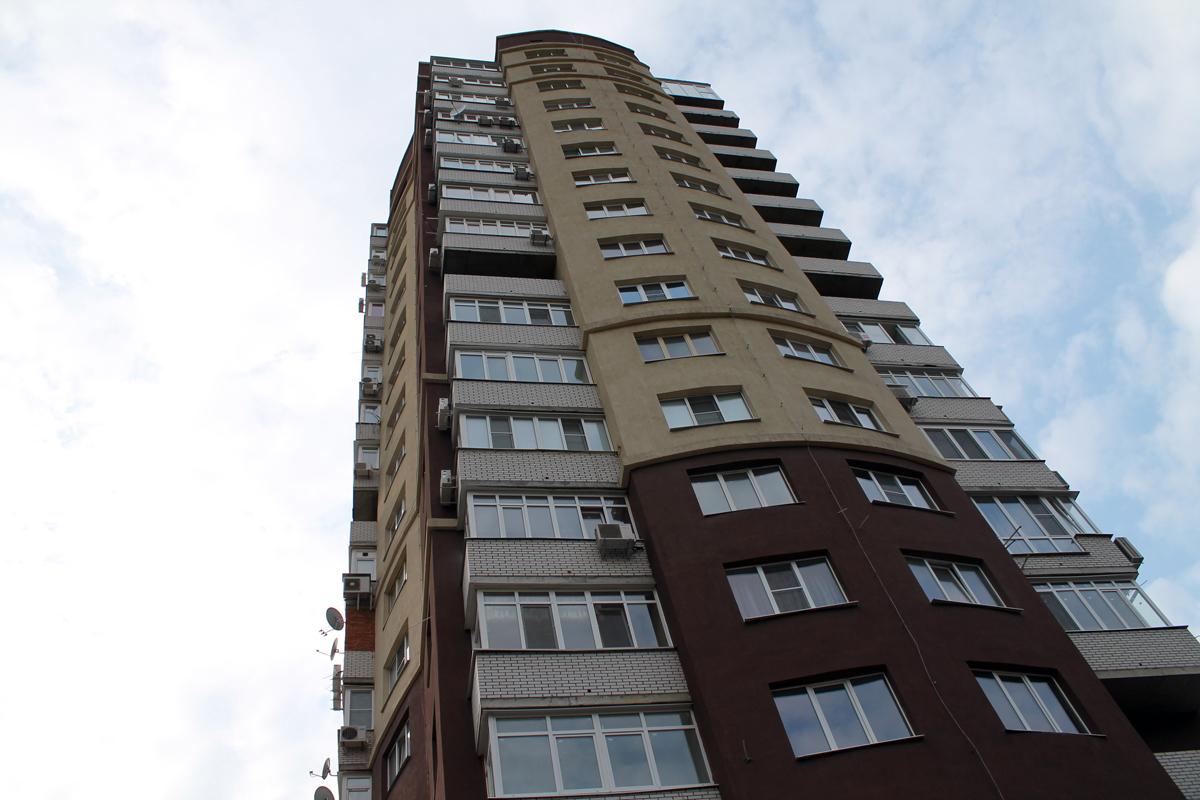 Часто застройщики достраивают больше этажей, чем указано в разрешительной документации / Герц