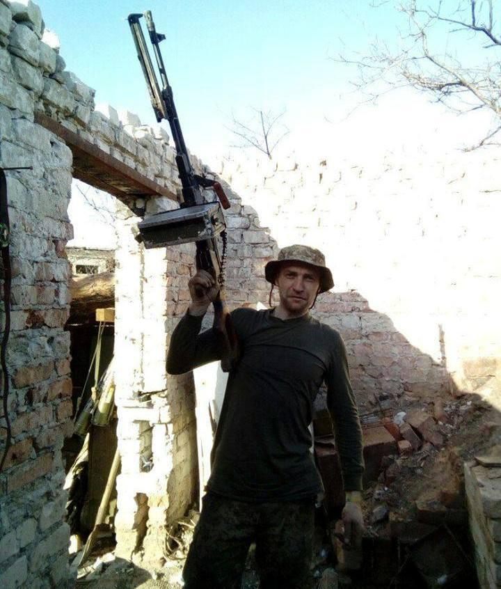 Собратья оказали ему первую помощь, но было поздно \ 72 Гвардейская ОМБР