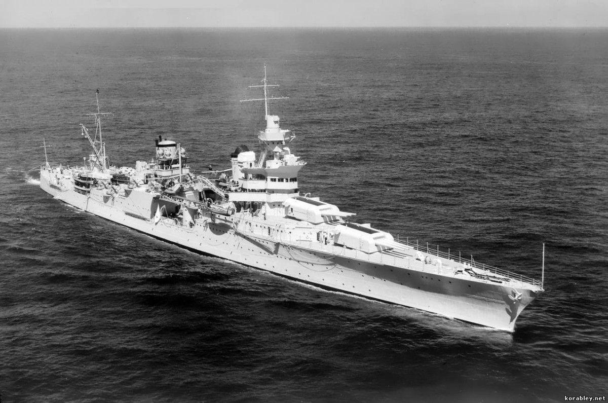 Крейсер потопив торпеда з японської підводного човна / фото Корабельний портал