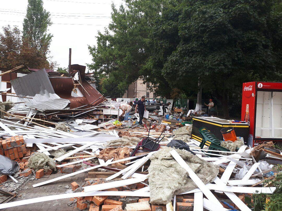 Знесені МАФи на КПІ / фото 112.ua