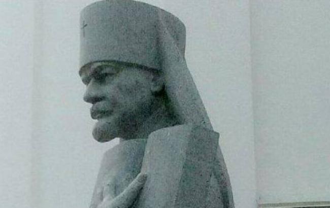 Фото: Памятник Ивану Огиенко (facebook.com/ОлександрРойтбурд)