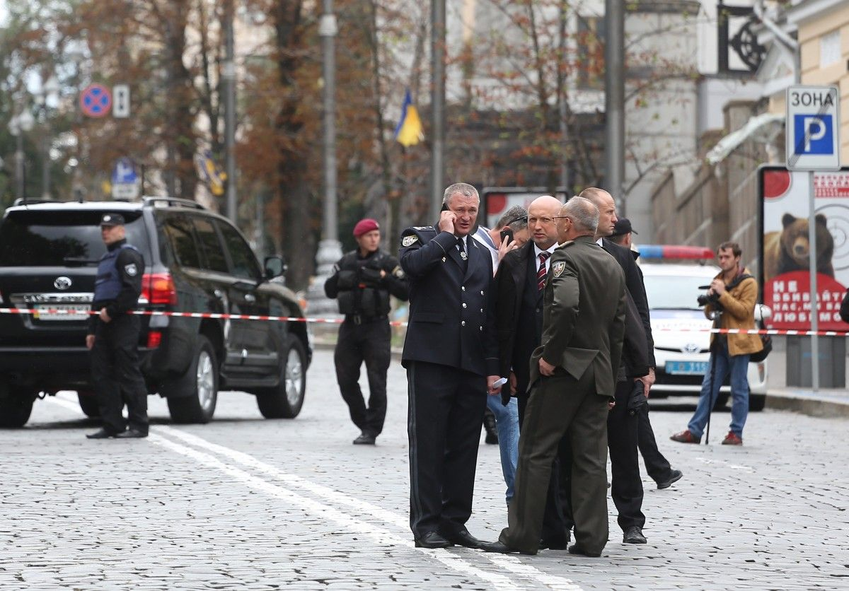 Турчинов заявил, что у Кабмина прозвучал один взрыв / фото УНИАН