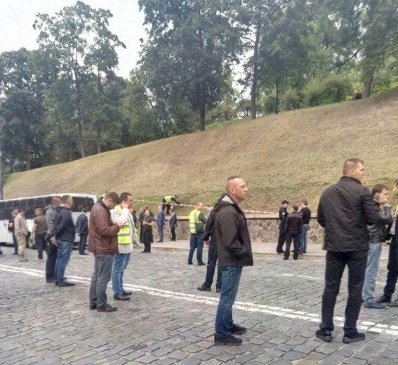 В результате взрыва пострадали три человека / Полиция Киева