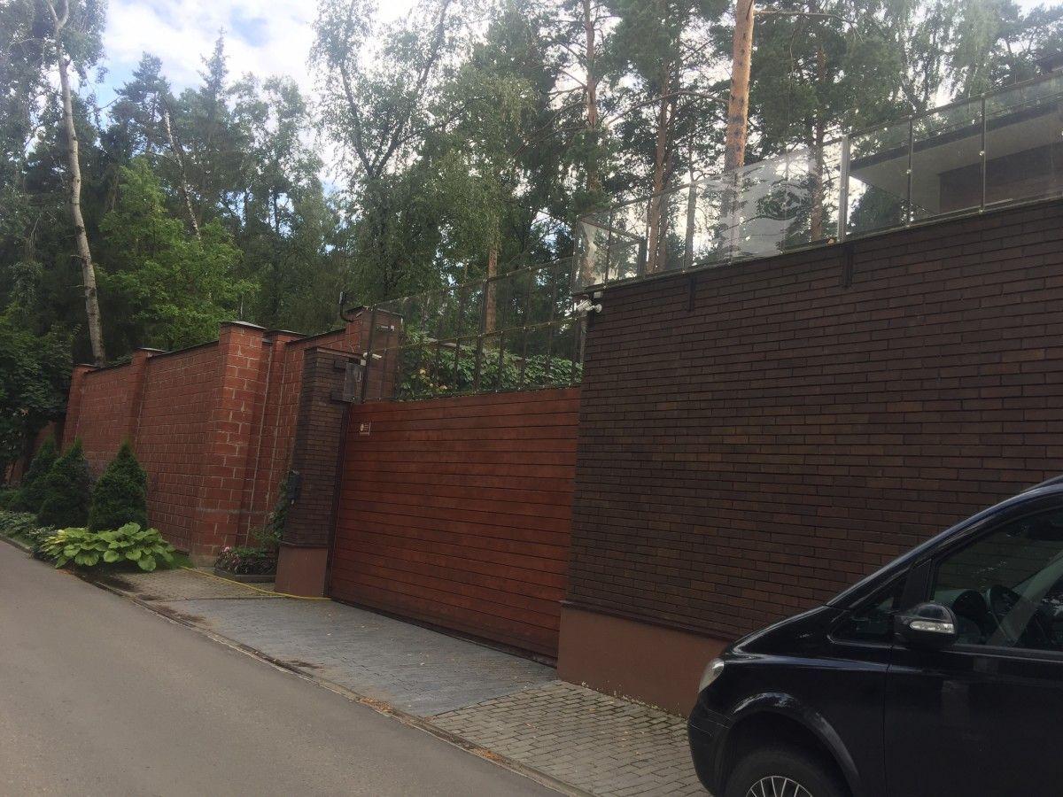 Якобы подмосковный дом экс-президента Украины / фото Страна