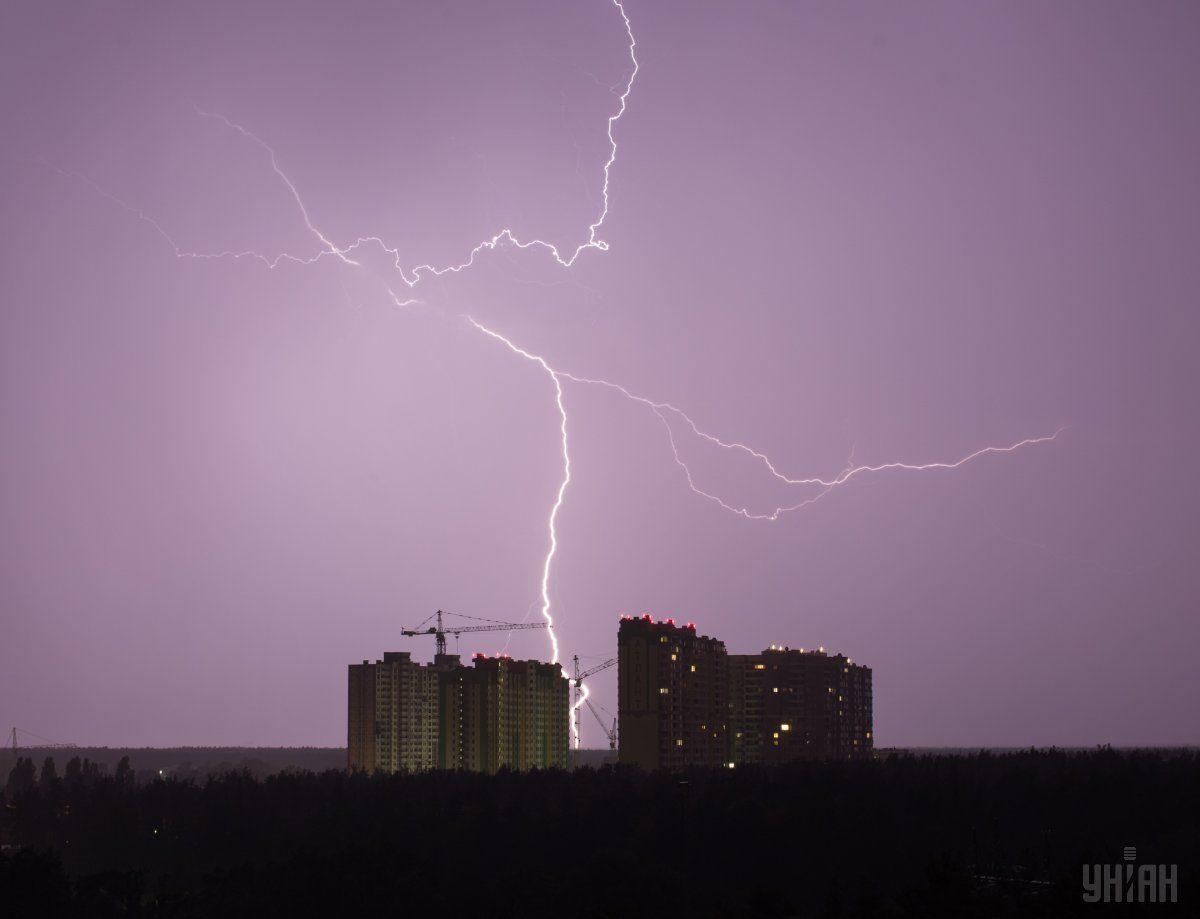На Київщині через удар блискавки сталася / УНІАН