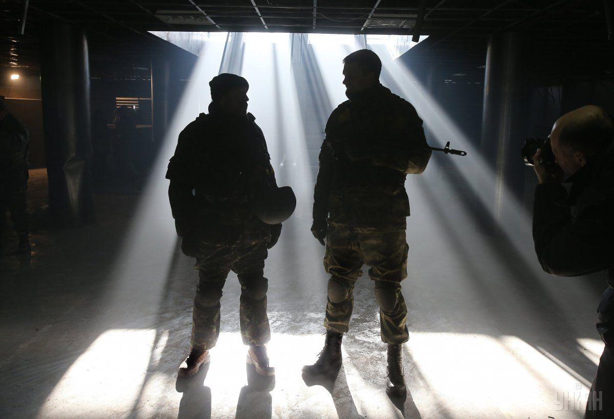 Героическая оборона Донецкого аэропорта окончательно сломала планы России по захвату Украины, подчеркнул Зеленский / фото УНИАН