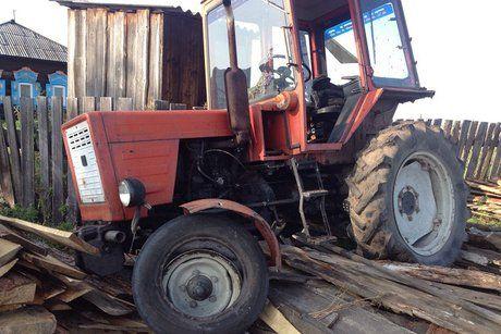 Зловмисника на тракторі затримали / фото 38.мвс.рф