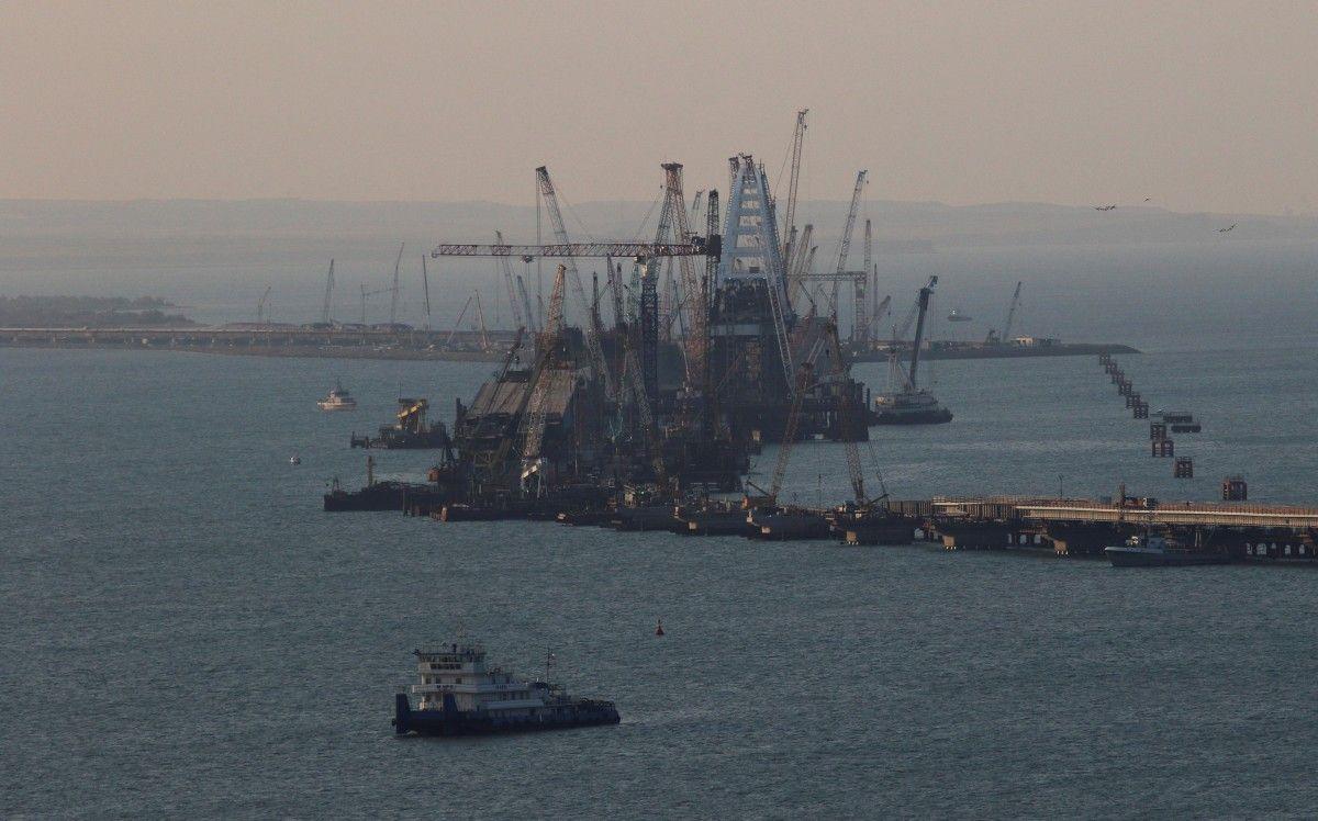 Строительство моста в Крым / REUTERS