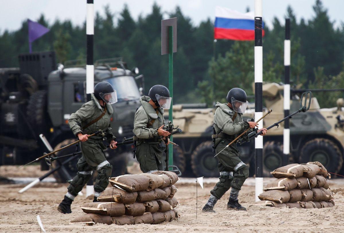Российская армия разместила военный лагерь в оккупированном Крыму / фото REUTERS