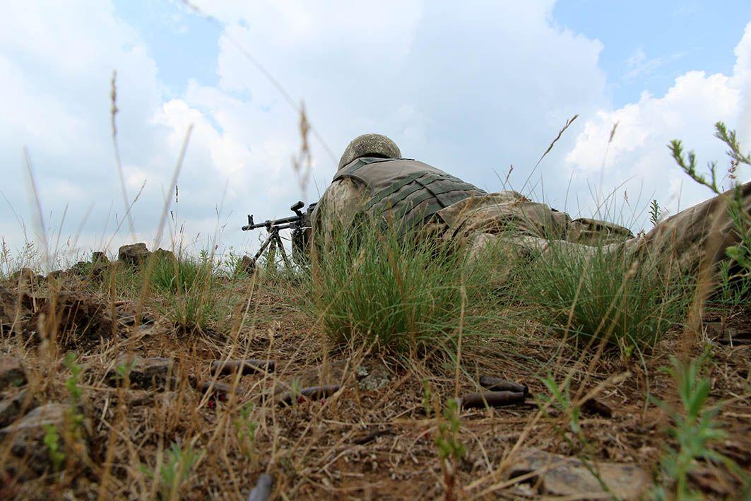 Бойовики відкривали вогонь з гранатометів, великокаліберних кулеметів та стрілецької зброї / фото Міноборони