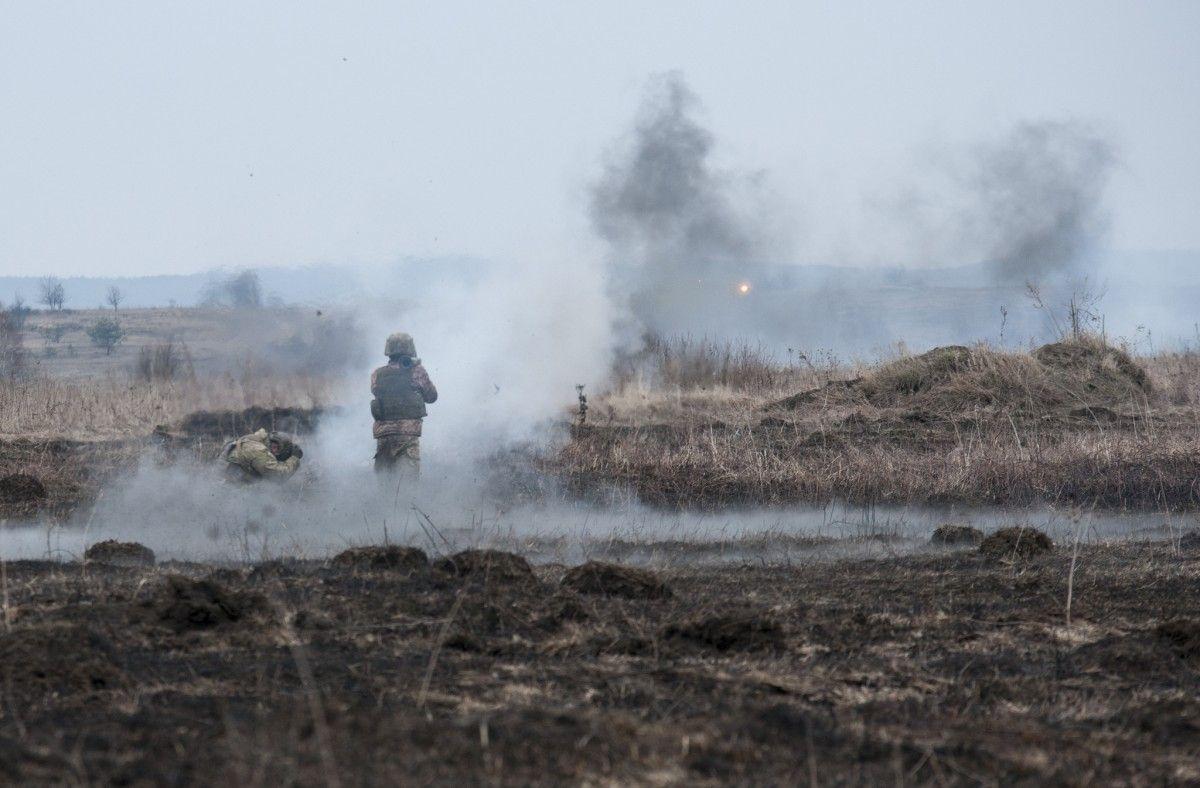 На Донбассе раненвоенный/ фото Минобороны