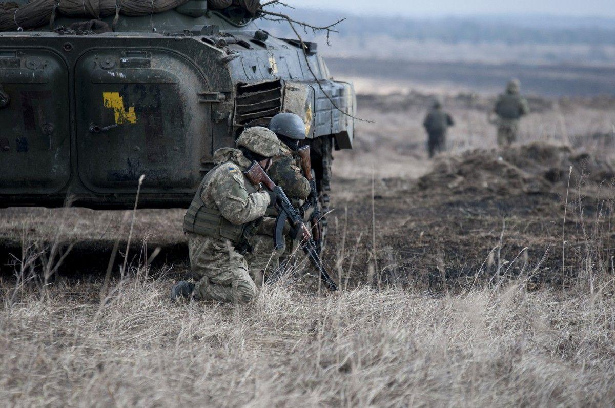 ВСУ подвергаются обстреламсо стороны боевиков / фото: ВСУ / Минобороны