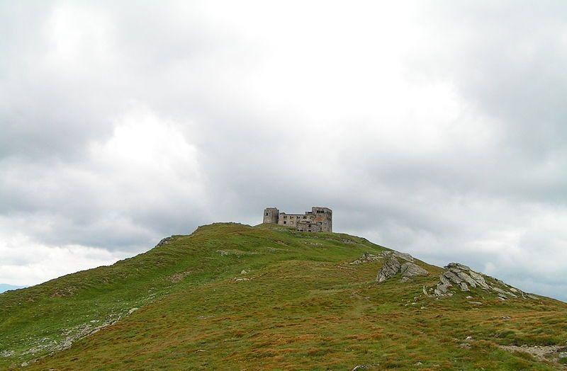 Обсерватория на горе Поп Иван / фото uk.wikipedia.org