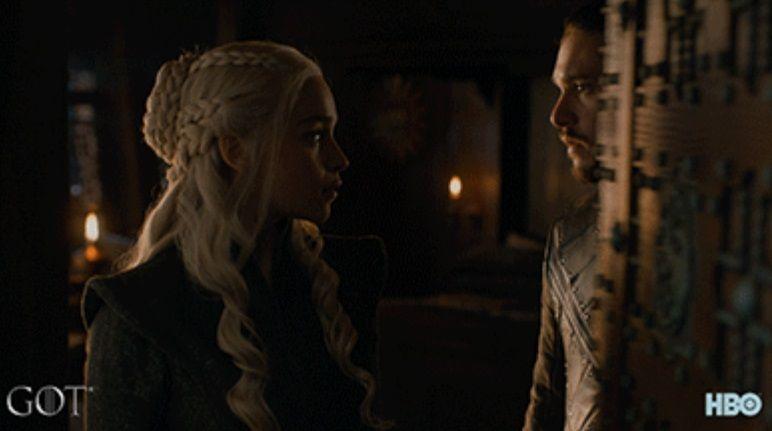 Режисери «Гри престолів» розповіли про відносини Дейенеріс і Джона Сноу в сезоні 8 / скріншот
