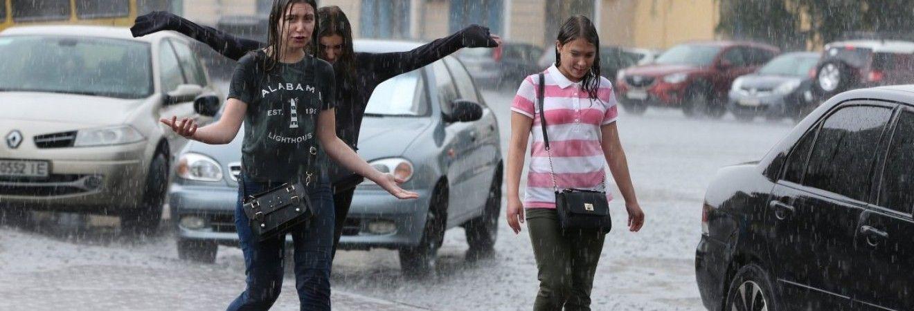 Киевлян предупреждают об ухудшении погодных условий, непогода будет бушевать и завтра