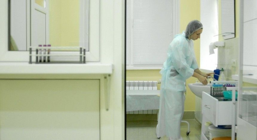 Measles virus gets to Poland as six Ukrainian workers admitted to hospital - media