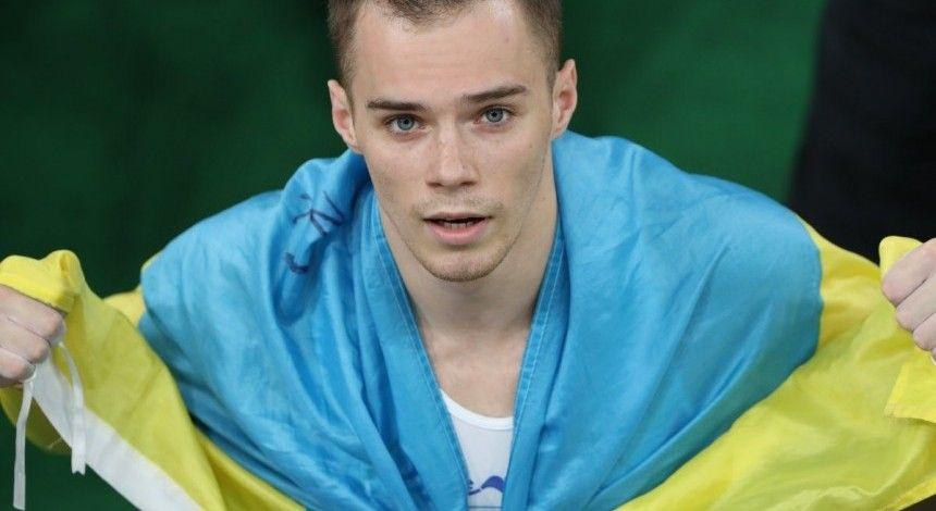 Олимпийский чемпион Верняев неудачно приземлился при выполнении элемента и травмировал ногу (видео)