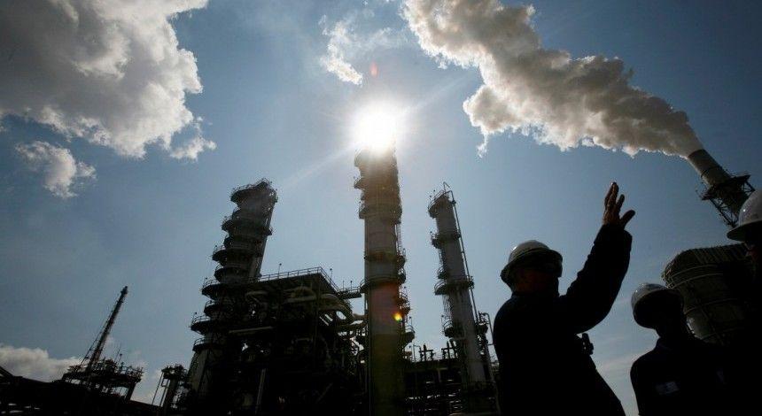 Білорусь призупинила експорт нафтопродуктів до України
