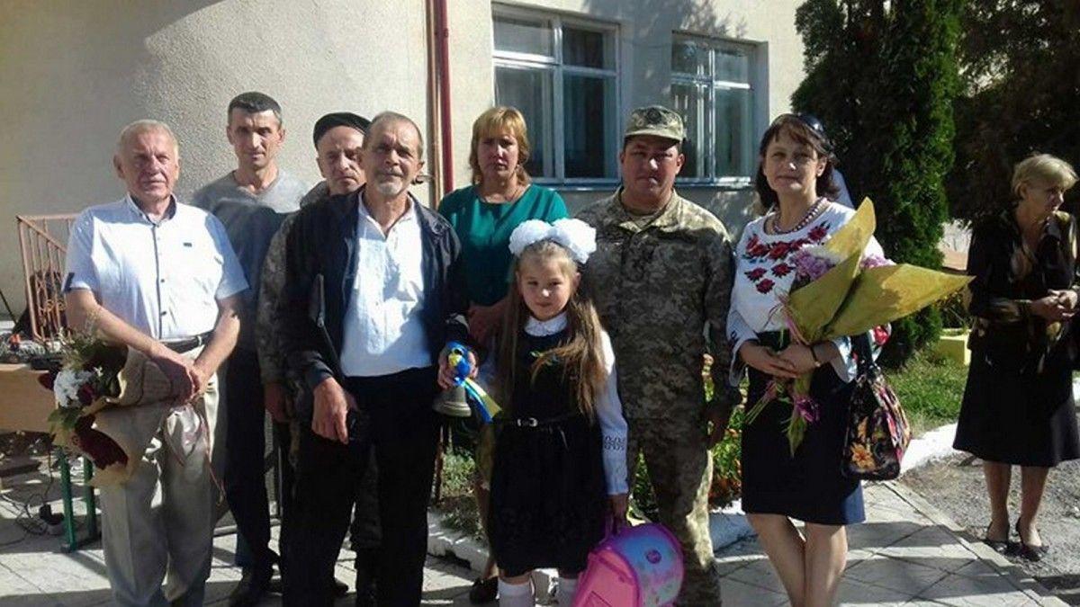 Детям также вручили поздравление от Полторака / Фото Западный региональный медиа-центр Министерства обороны Украины