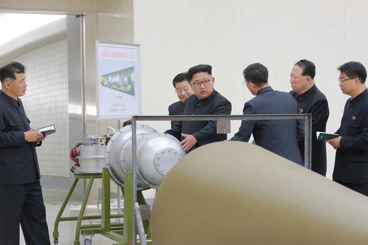 КНДР официально объявила об успешном проведении испытания водородной бомбы / REUTERS