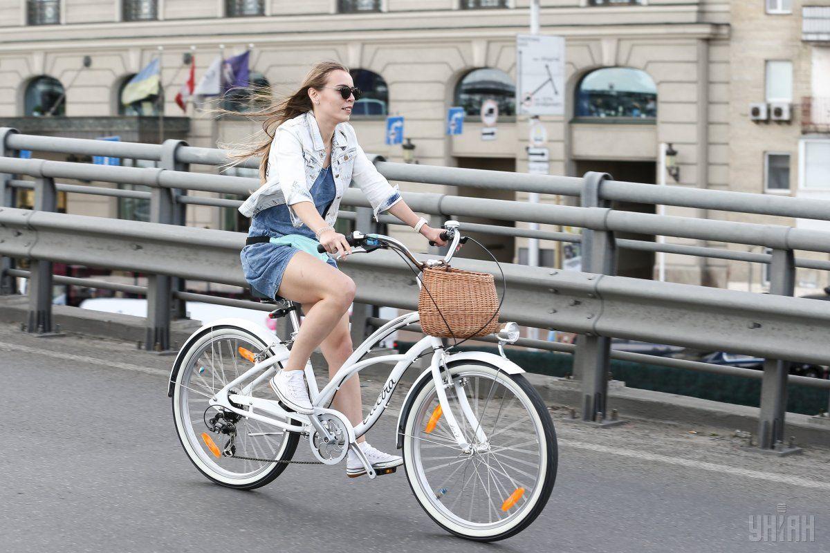 З велосипедами також вже можна подорожувати за маршрутом приміського поїзда Святошино-Буча / Фото УНІАН, Володимир Гонтар