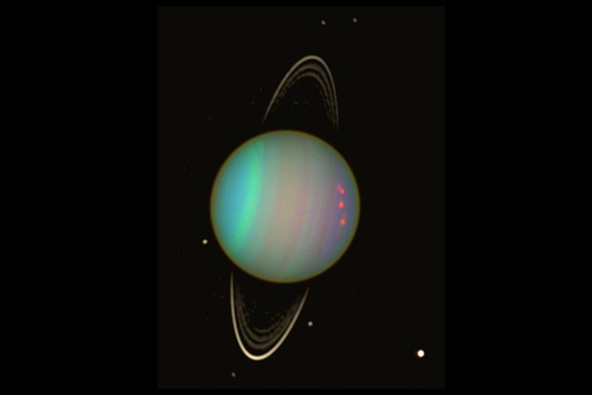 Супутники неправильної форми в поперечнику не перевищують 90 кілометрів / фото newscientist.com